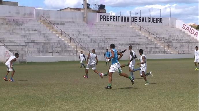 Treino Salgueiro sub-20 (Foto: Reprodução/ TV Grande Rio)