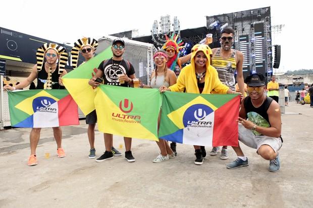 Looks engraçados no Ultra Music Festival Brasil  (Foto: Anderson Barros / EGO)