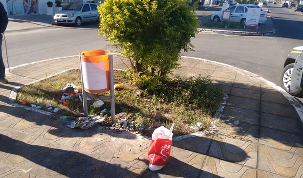 Corpo de criança foi encontrado em lixeira em Tramandaí (Foto: Divulgação/BM)