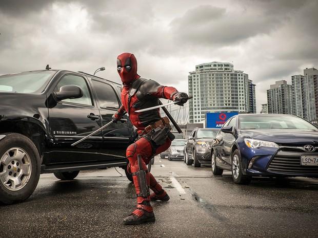 Ryan Reynolds é o personagem Deadpool (Foto: Divulgação/Fox)