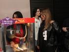 Carrocinha de pipoca faz sucesso em área vip no show de Anitta