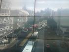 Incêndio em prédio congestiona avenida em Porto Alegre
