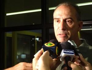 Marcio Bolzoni explica recuperação de Kleber (Foto: Lucas Rizzatti/Globoesporte.com) - bolzoni1