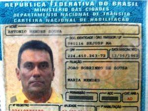 Documentado apresentado por Antonio durante abordagem (Foto: Divulgação/PRF)