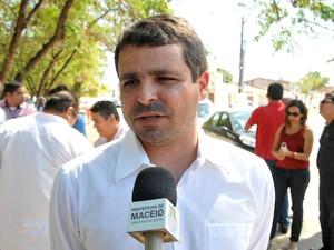 Secretário da Slum diz que convênio vai doar recurso ara compra de material. (Foto: Marco Antônio/Ascom)