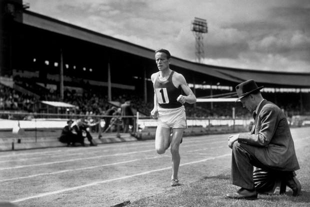 Paavo Nurmi, homem-relógio e mito olímpico (Foto: Getty Images)