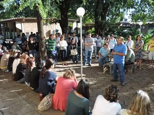 Servidores, professores e alunos paralisaram as atividades no campus da Unesp em Presidente Prudente (Foto: Carolina Mescoloti/G1)