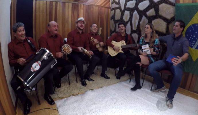 Demônios da Garoa chega aos 72 anos de música com o típico samba paulistano (Foto: Reprodução / EPTV)