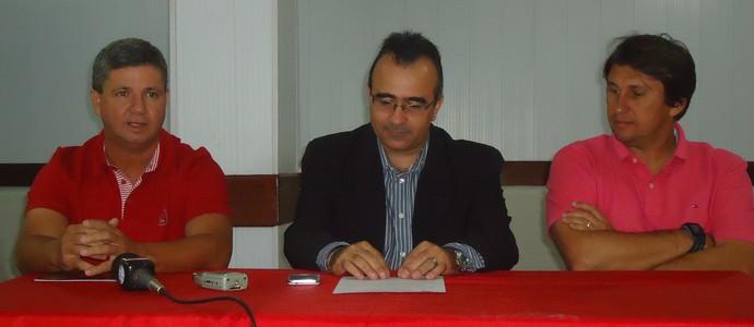Ney da Matta foi apresentado pela diretoria do América TO nesta quarta-feira. (Foto: Divulgação/América TO)