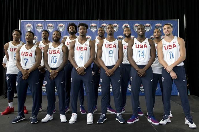Foto AP - Apresentação da seleção americana de basquete para a Rio 2016 (Foto: Mary Altaffer / AP)