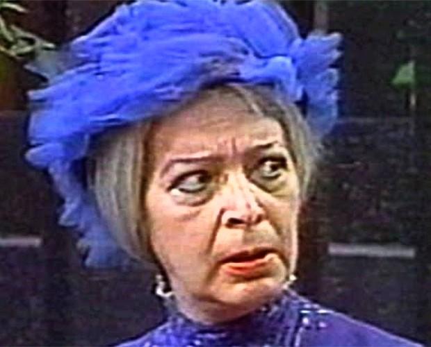 A estrela espanhola caracterizada como Dona Clotilde em Chaves (Foto: Reprodução)