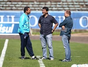 Luxemburgo, Rui Costa e Marcos Chitolina conversam no Olímpico (Foto: Lucas Uebel/Grêmio FBPA)