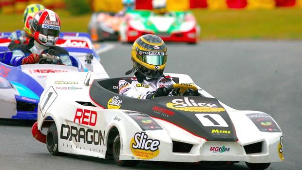 Nelsinho Piquet e Lucas di Grassi integram o time de pilotos com passagem pela F-1 que disputam a prova (Foto: Bruno Terena / divulgação)