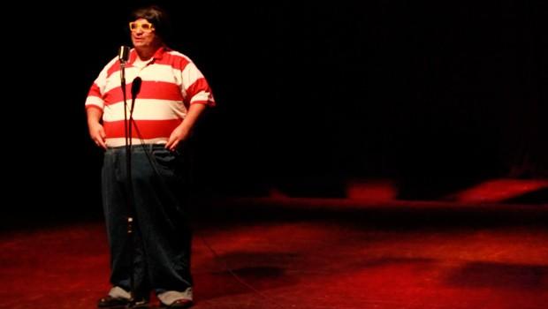 O Humorista Fábio Silvestre apresenta o show 'MIM', com o apoio da RPC (Foto: Divulgação)