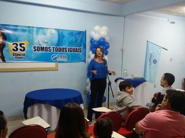 Gláucia Eliana é servidora estadual e participa pela primeira vez de um pleito eleitoral (Foto: Ana Carolina Ferreira/Arquivo pessoal)