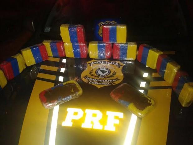 PRF apreende 14kg de drogas e prende três pessoas em Maracaçumé (Foto: Reprodução/PRF)
