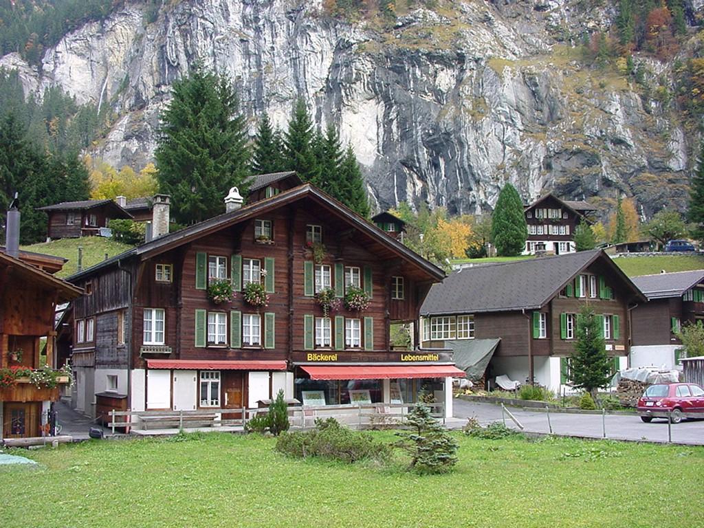 A arquitetura local não é élfica, mas também não deixa de ser encantadora (Foto: Wikimedia Commons)