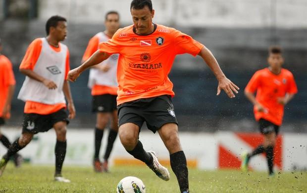 Fábio Oliveira voltou a treinar com o elenco do Remo (Foto: Marcelo Seabra / O Liberal)