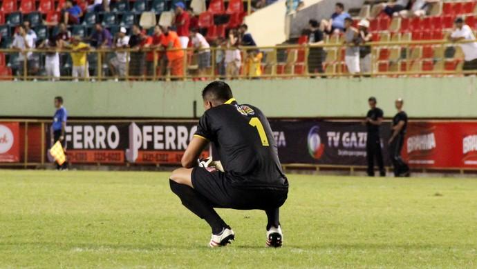 Fernando Pompéu, goleiro do Rio Branco-AC camisa 1 (Foto: João Paulo Maia)