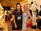 Giovanna Lancellotti e Natallia Rodrigues vão a inauguração de loja