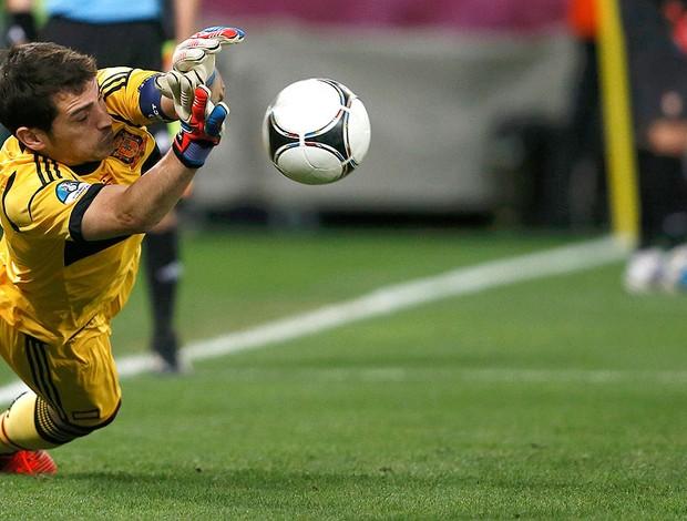 Casillas, Espanha x Portugal (Foto: Agência Reuters)