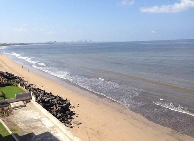 Projeto de 85 semanas retira 5 mil toneladas de lixo da praia de Mumbai (Foto: © Twitter / Afroz Shah)