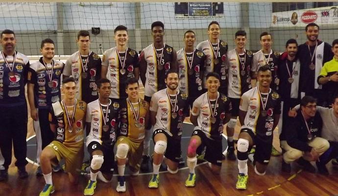 Vôlei Suzano medalha de bronze Campeonato Paulista sub-19 (Foto: Divulgação/Vôlei Suzano)