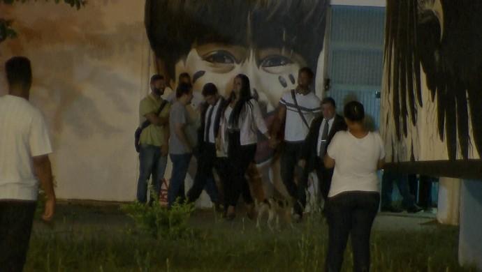 Goleiro Bruno deixa a APAC de Santa Luzia (Foto: Reprodução/ TV Globo Minas)