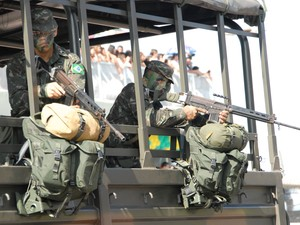 Exército Brasileiro desfila no Dia da Independência, em Macapá (Foto: Gabriel Penha/G1)