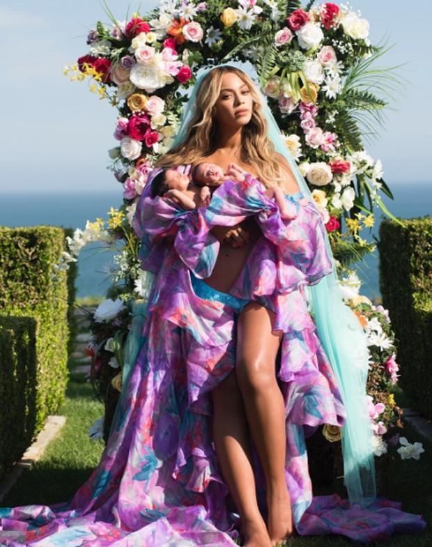 Beyoncé com Rumi e Sir Carter (Foto: Reprodução/Instagram)