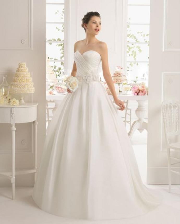 Vestido de noiva modelo tomara que caia (Foto: imagem da intenet)