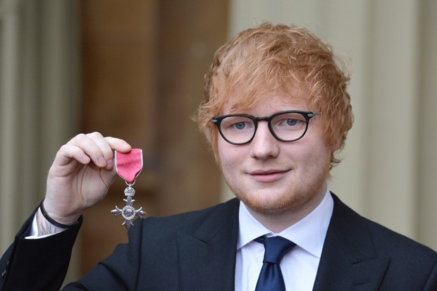 Ed Sheeran recebe MBE  (Foto: John Stillwell - WPA Pool/Getty Images)