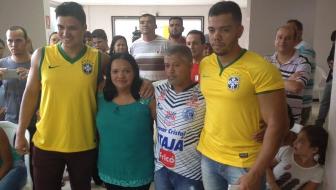 Família - Wendell Lira (Foto: Guilherme Gonçalves / GloboEsporte.com)
