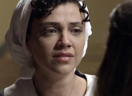 Anita revela a Lívia que está grávida de Roberto