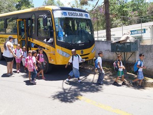 Transporte escolar Teresópolis (Foto: Marcelo Ferreira)