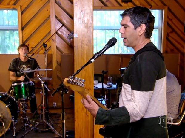Marcelo Bonfá e Dado Villa-Lobos - músicos da Legião Urbana (Foto: Reprodução/TV Globo)