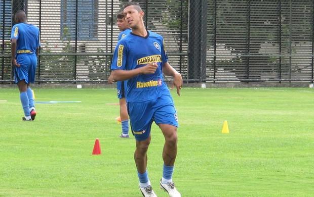 Antônio Carlos treino Botafogo (Foto: André Casado / Globoesporte.com)