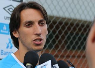 Geromel em treino do Grêmio (Foto: Eduardo Moura)
