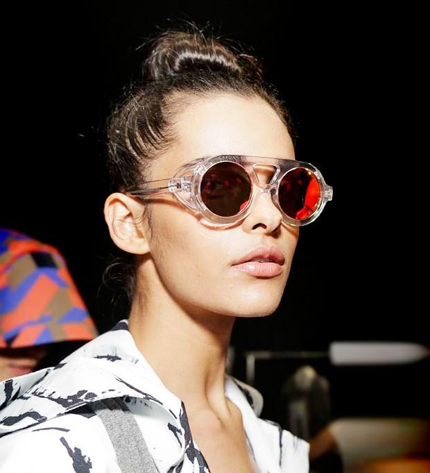 4454e256121a6 Coleção Passarela  os novos óculos da Chilli Beans em parceria com  estilistas - Vogue