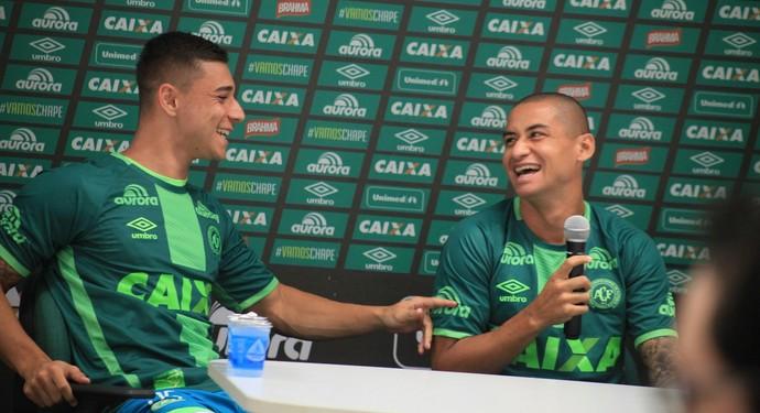 Wellington Paulista e João Pedro Chapecoense (Foto: Sirli Freitas/Chapecoense)