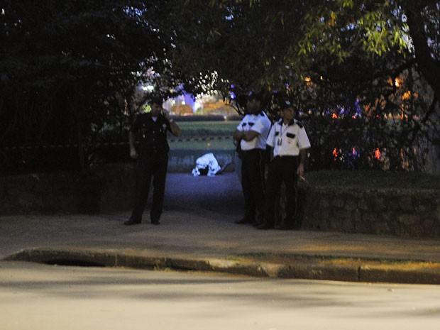 Corpo encontrado no Parque do Ibirapuera  (Foto: Johnny de Franco/Sigmapress/Estadão Conteúdo)