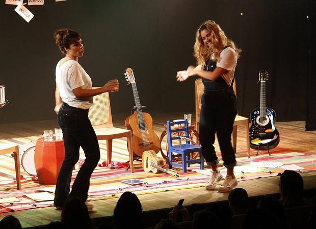Maria Ribeiro e Carolina Dieckmann (Foto: Marcos Ferreira / Brazil News)