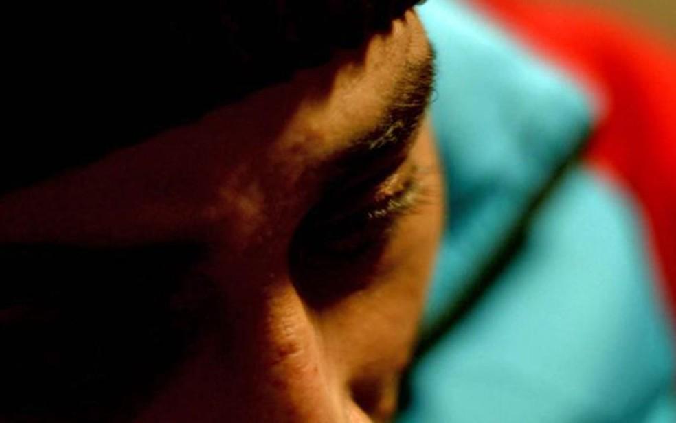Abu Jaafar diz estar ajudando refugiados abandonados pelo sistema (Foto: BBC)