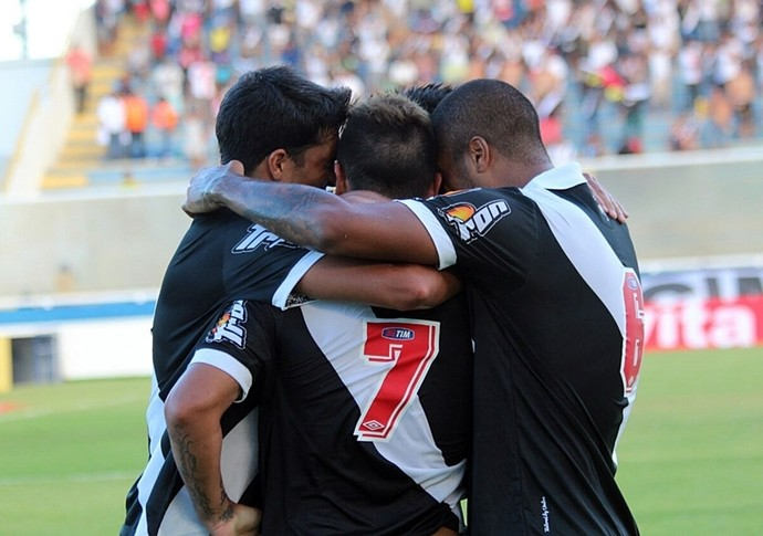 vasco comemoracao gol cabofriense (Foto: Carlos Gregório Junior/Vasco.com.br)