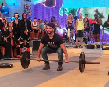 Bruno Gagliasso mostra modalidade do crossfit (Esquenta/TV Globo)