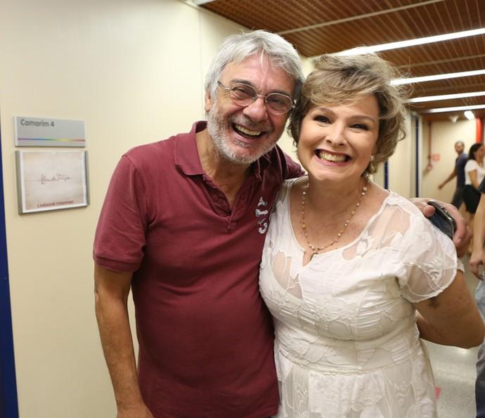 Radiantes! José Carlos Machado e Louise Cardoso comemoram fim de mais um trabalho (Foto: Carol Caminha/Gshow)