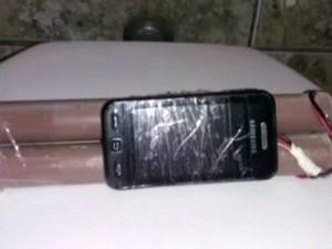Falsa bomba foi deixada em banheiro feminino de mercado (Foto: Reprodução/TV TEM)