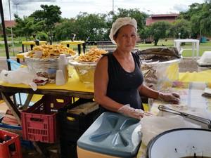 Maria da Rocha tem 53 anos e diz que já se preocupa, mas ainda não paga previdência (Foto: Toni Francis/G1)