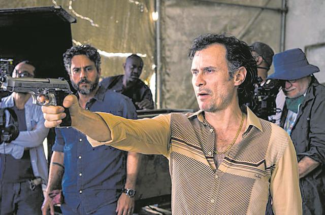 Enrique Díaz numa cena de 'Onde nascem os fortes' (Foto: Estevam Avellar/TV Globo)
