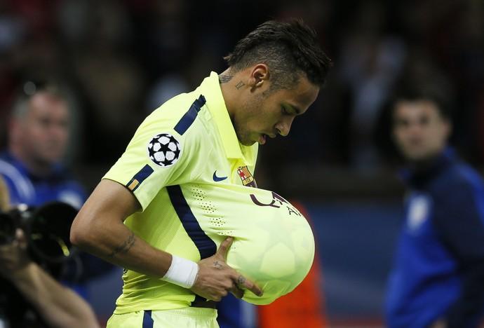 Neymar - PSG x Barcelona (Foto: Reuters)